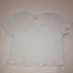Brandy Melville white cropped t-shirts